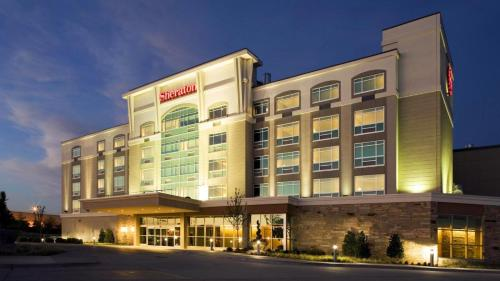 Sheraton Hotel Midwest City at the Reed Conference Center Photo