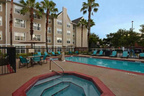 Residence Inn by Marriott Orlando East/UCF Area Photo