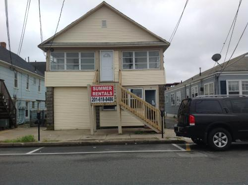 3/4 Bedroom Jersey Shore Beach House HC-55 Photo