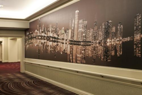 Renaissance Chicago Downtown Hotel photo 36