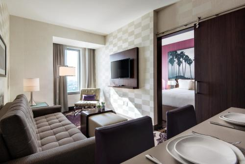 Residence Inn By Marriott Los Angeles L.A. Live - Los Angeles, CA 90015