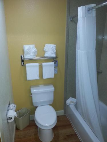Quality Inn & Suites Orlando photo 13