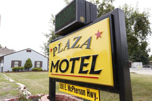 Plaza Motel Photo