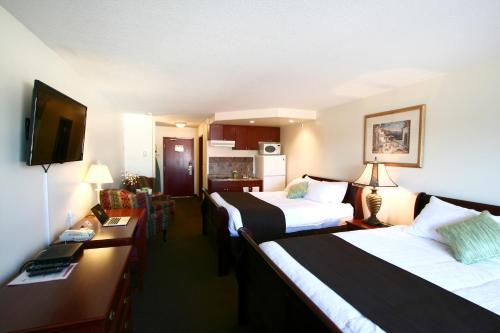Foxwood Inn & Suites Drayton Valley Photo