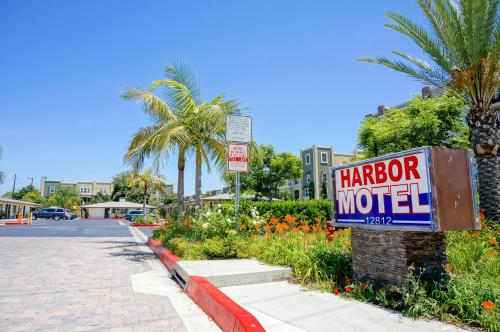 Harbor Motel