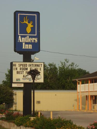 Antlers Inn Photo