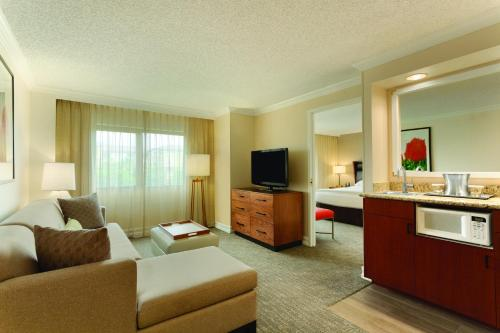 Embassy Suites by Hilton Anaheim-Orange Photo