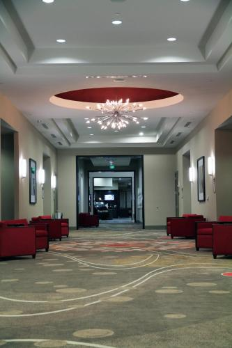 Embassy Suites Ontario - Airport Photo