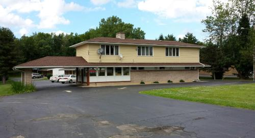 Budget Inn Fairport Photo