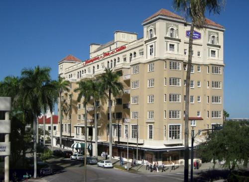 Hampton Inn and Suites Bradenton Downtown Historic District