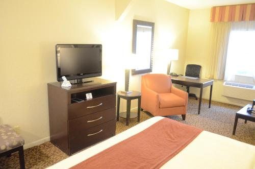 Best Western Plus Westchase Mini-Suites photo 4