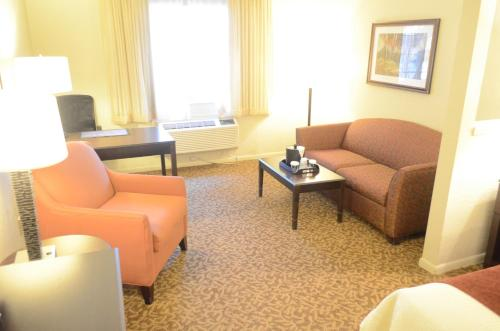 Best Western Plus Westchase Mini-Suites photo 7