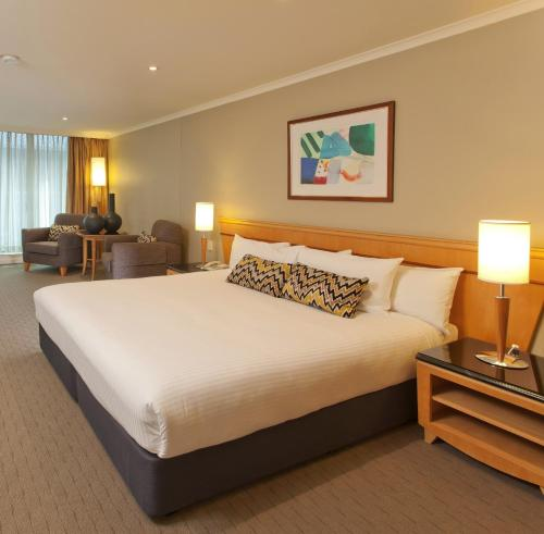 Radisson Hotel & Suites Sydney photo 26