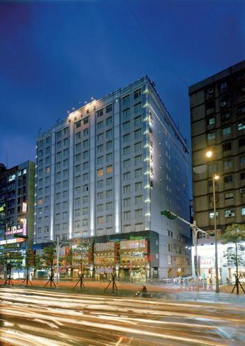 Luxury Hotels In Xinyi District