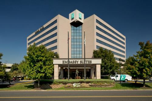 Embassy Suites Secaucus - Meadowlands Photo