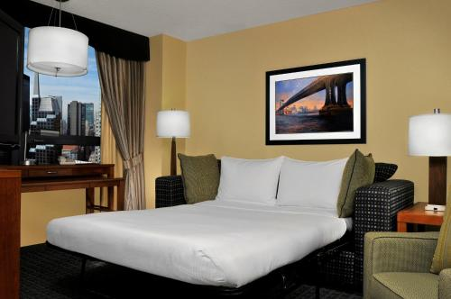DoubleTree Suites by Hilton NYC - Times Square photo 10
