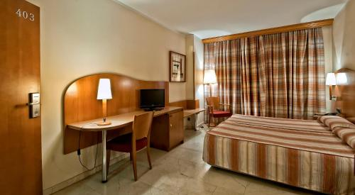 Hotel Aristol - Sagrada Familia photo 3