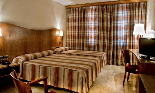 Hotel Aristol - Sagrada Familia photo 11
