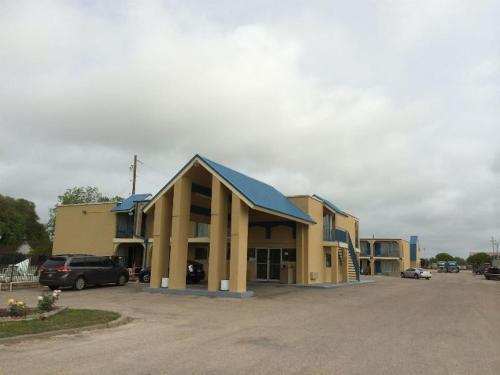 Americas Best Value Inn Schulenburg Photo