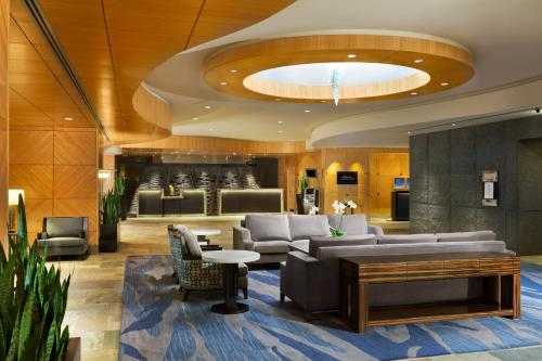 Fairmont Vancouver Airport In-Terminal Hotel Photo