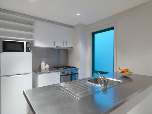 Adina Apartment Hotel St Kilda photo 10