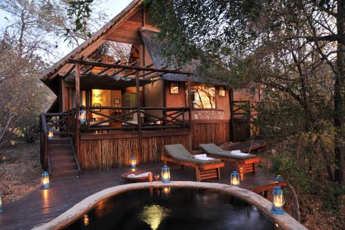 Lukimbi Safari Lodge Photo