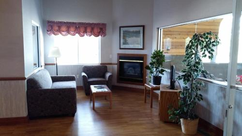 Americas Best Value Inn Chetek Photo