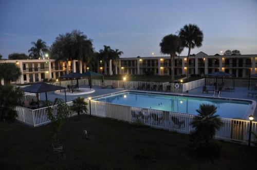Photo of Winter Haven Suites & Conference Center