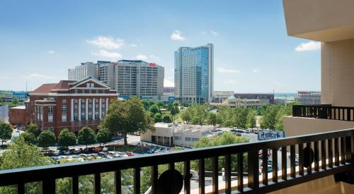 Doubletree by hilton atlanta downtown in atlanta ga for Hotels close to mercedes benz stadium atlanta ga