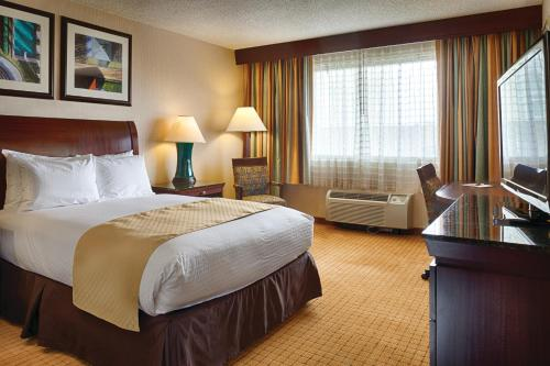 DoubleTree by Hilton Denver photo 28