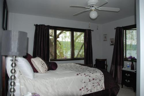 The Willows Bed & Breakfast On Keuka Lake
