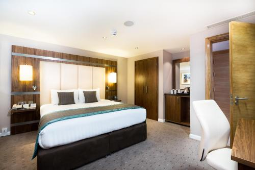 Stay at DoubleTree By Hilton Milton Keynes