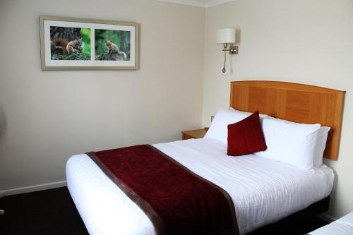 The Royal Angus Hotel photo 26