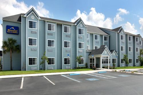 Microtel Inn and Suites - Zephyrhills Photo
