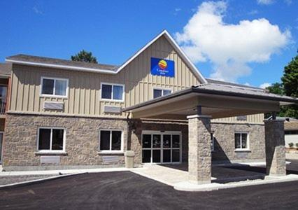 Comfort Inn & Suites Thousand Islands Harbour District Photo