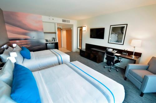 The Grand Winnipeg Airport Hotel by Lakeview Photo