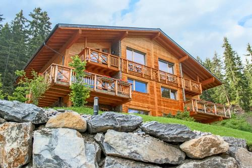 CRANS LUXURY LODGES0