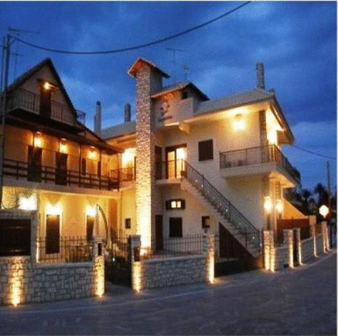 Giogarakis Suites - Elaionas Greece