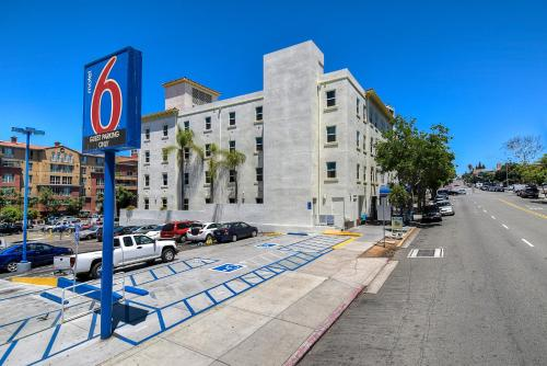 Motel 6 San Diego Downtown