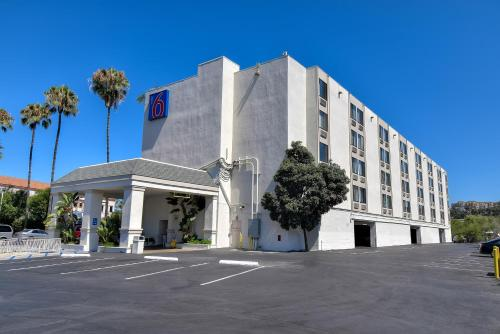 Motel 6 San Diego - Hotel Circle Photo