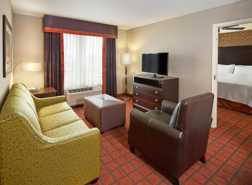 Homewood Suites Calgary Airport Photo
