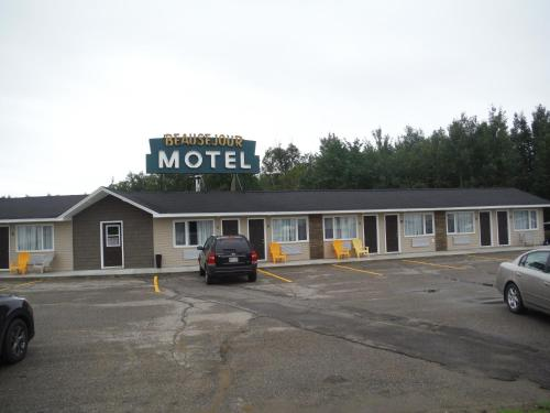 Motel Beausejour Photo