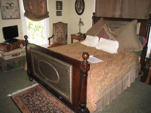Manor of Time Bed and Breakfast Photo
