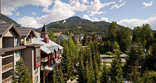 Delta Hotels by Marriott Whistler Village Suites Photo