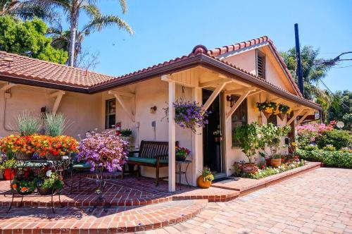 Harbor House Inn - Santa Barbara, CA 93101