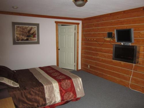 Spirit Lake Lodge Photo