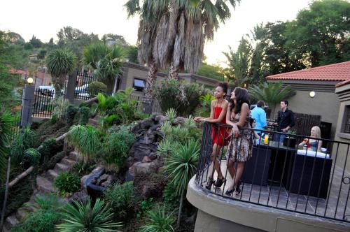 Waterfalls Boutique Hotel Photo