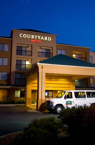 Courtyard Nashville at Opryland - nashville -