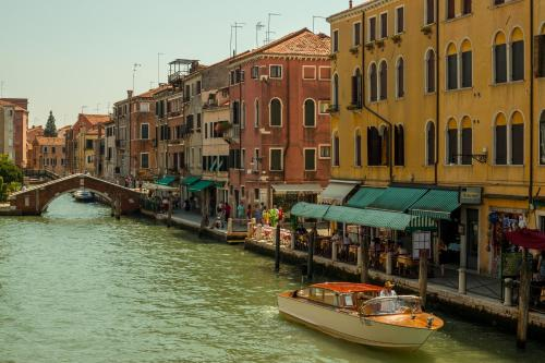 Bed and Breakfast Ai Tre Ponti Venezia, Венеция
