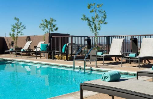 Residence Inn by Marriott Tempe Downtown/University Photo